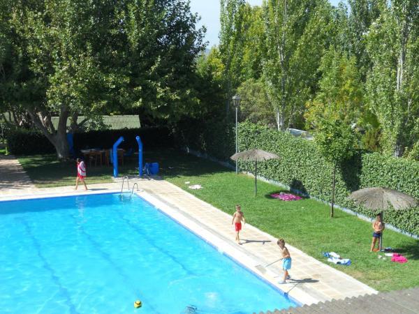 Hotel Pictures: , Fuente de Piedra