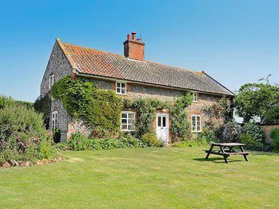 Hotel Pictures: Rose Cottage, Aylmerton