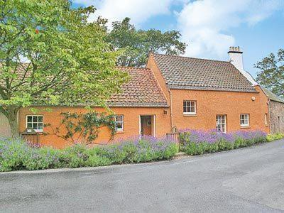 Hotel Pictures: Shepherd Hse Cottage, Musselburgh