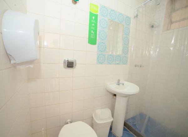 Bed in 6-Bed Mixed Dormitory Room with En suite Bathroom