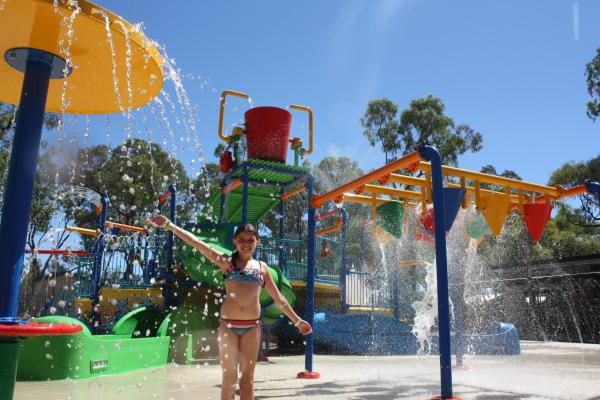 Hotel Pictures: BIG4 Renmark Riverfront Holiday Park, Renmark