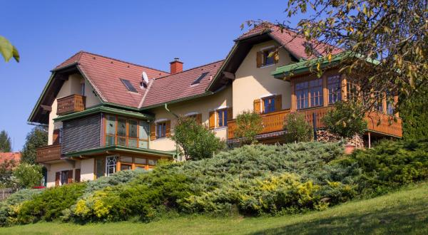 Hotel Pictures: Ferienwohnungen Soravia, Gamlitz
