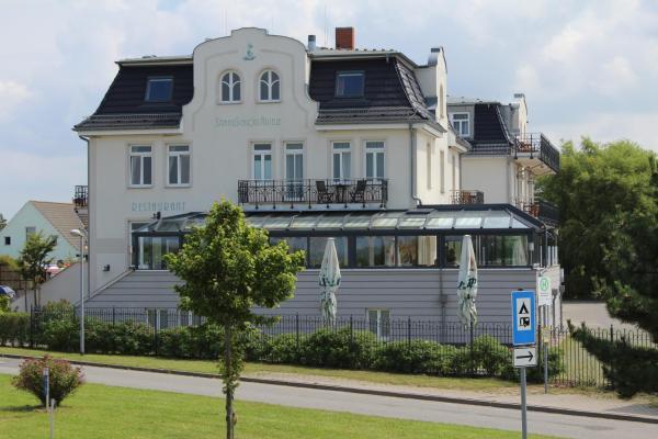 Hotel Pictures: Pension Strandschloss Arielle, Börgerende-Rethwisch