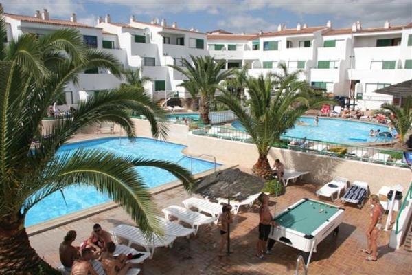 Hotel Pictures: Apartamentos Alondras Park, Costa Del Silencio