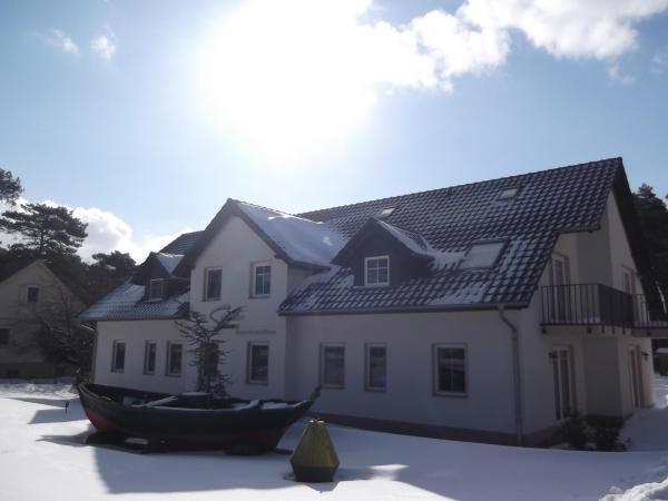 Hotel Pictures: Appartementhaus Zur Schaabe, Glowe