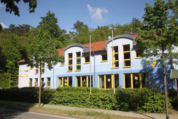 Hotel Pictures: DJH Jugendherberge Waren - Müritz, Waren