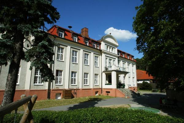 Hotel Pictures: DJH Jugendherberge Burg Stargard, Burg Stargard
