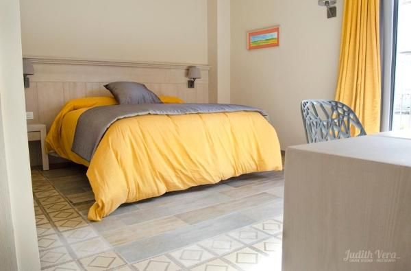 Hotel Pictures: Hostal 1888, Gironella
