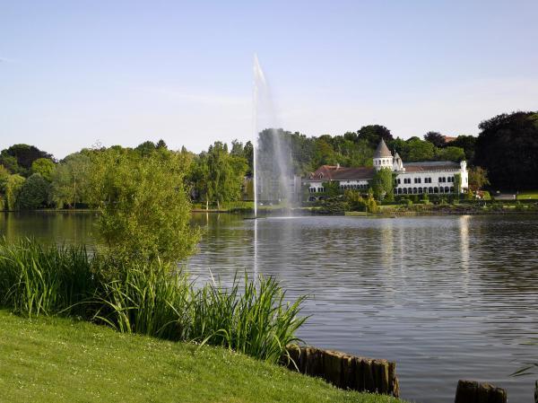 ホテル写真: Martin's Château Du Lac, ジャンバル