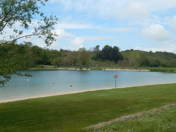 Hotel Pictures: Camping du Moulin, Meyrieu