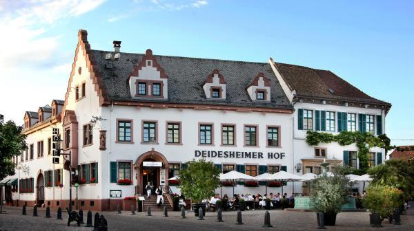 Hotel Pictures: Deidesheimer Hof, Deidesheim