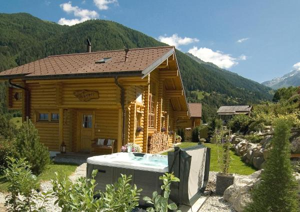 Hotel Pictures: Chalet Cygnet, Saclentse