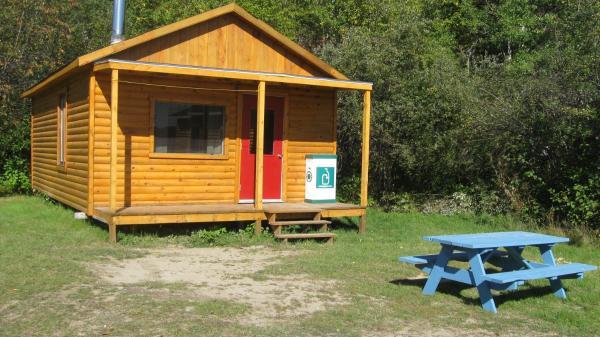 Hotel Pictures: Pourvoirie Grand Lac du Nord, Portneuf Sur Mer