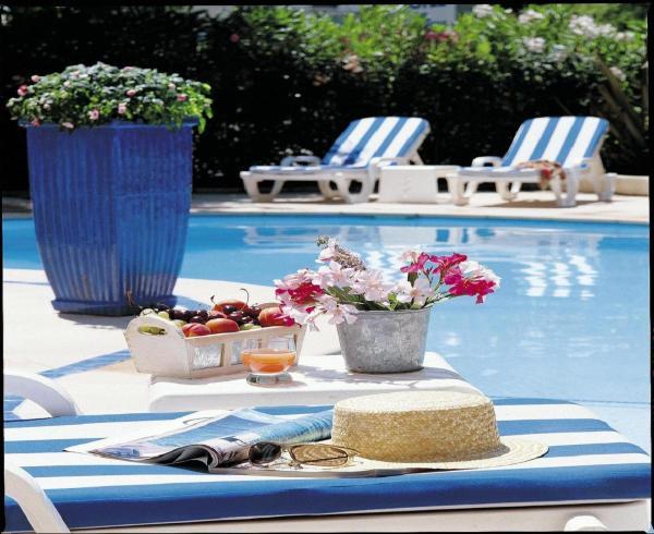 Hotel Pictures: Hôtel Les Rives Bleues, La Grande-Motte