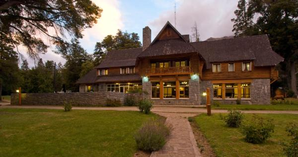 Hotellikuvia: Hosteria Futalaufquen, Lago Futalaufquen