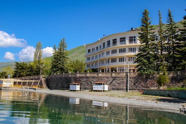 Hotel Pictures: Blue Sevan Hotel, Kalavan