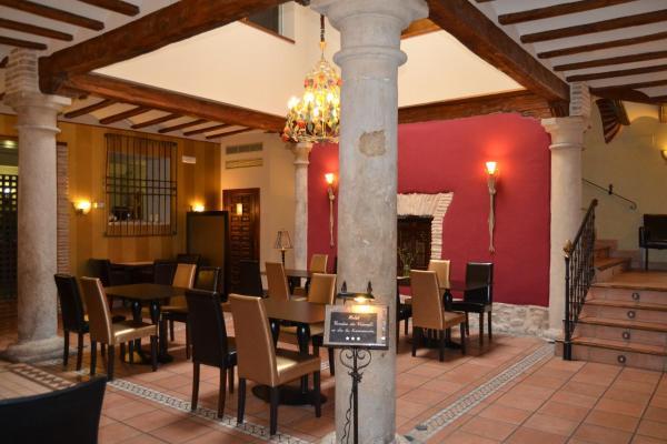 Hotel Pictures: Hotel Condes de Visconti, Tarazona de Aragón