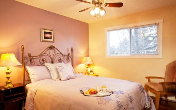 Hotel Pictures: Wild Rose Bed & Breakfast, Saskatoon