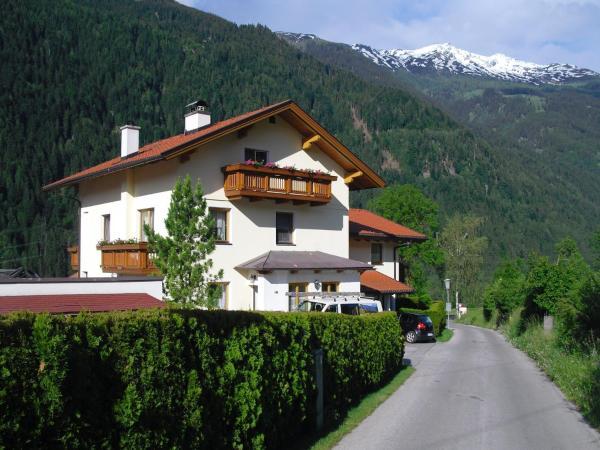 Fotografie hotelů: Haus Grünbacher, Lienz