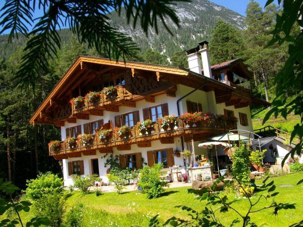 Hotellikuvia: Gästehaus Arnspitzblick, Scharnitz