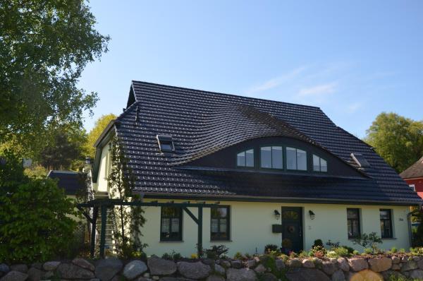 Hotel Pictures: Hus Sünnschien, Middelhagen