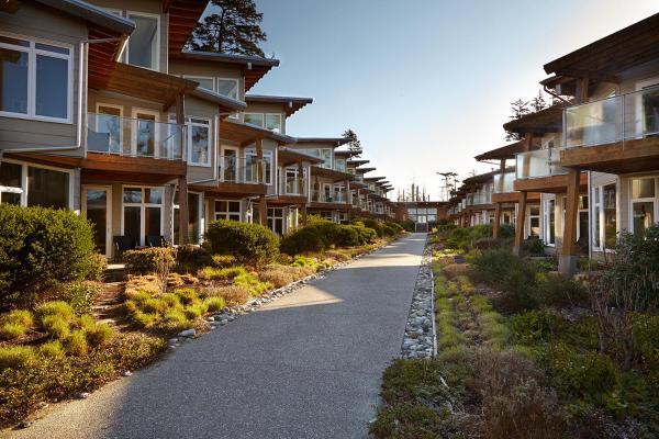 Hotel Pictures: Cox Bay Beach Resort, Tofino