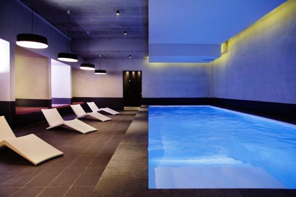 Hotel Pictures: Domaine De La Corniche, Rolleboise