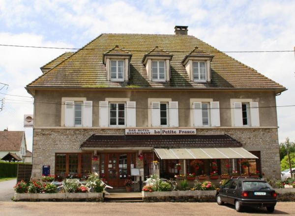 Hotel Pictures: La Petite France, Le Château-d'Almenêches