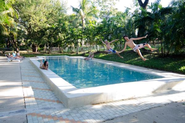 Hotel Pictures: Base Airlie Beach Resort, Airlie Beach