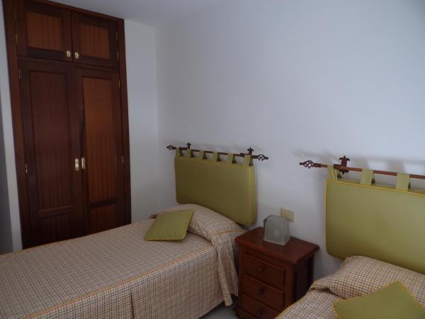 Hotel Pictures: Apartamento Lago Mirazul, El Médano