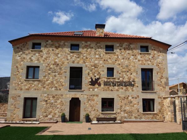 Hotel Pictures: Hostal Residencia Pico de los Haces, Santervás de la Sierra