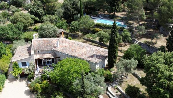 Hotel Pictures: Charm in Provence, Saumane-de-Vaucluse