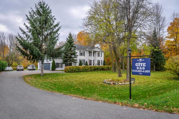 Hotel Pictures: A La Villa Rivermead, Gatineau