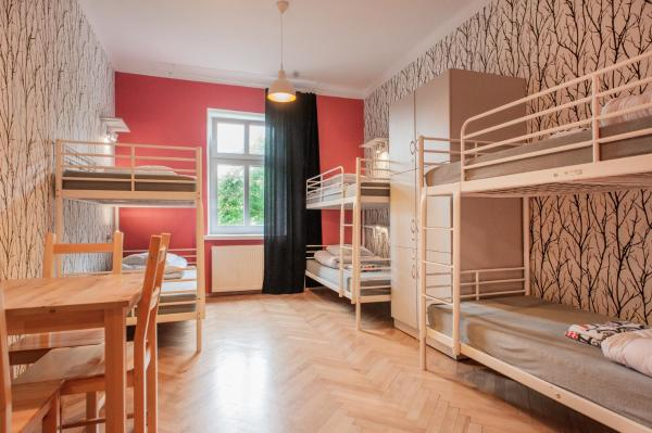 Bed in 6-Bed Dormitory Room with Bathroom