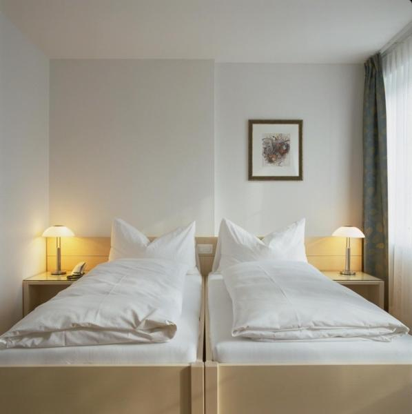 Hotel Pictures: , Uitikon