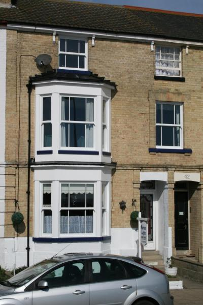 Hotel Pictures: Harbour Lights Guest House, Lowestoft