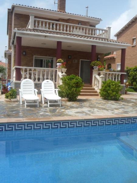Hotel Pictures: Villa Juli, Roda de Bará