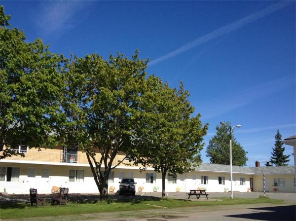 Hotel Pictures: Baker's Lighthouse Motel, Summerside