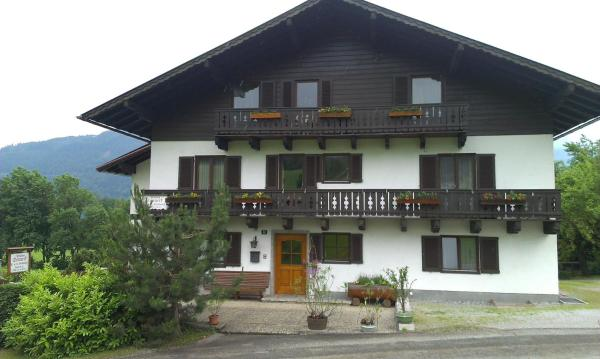 Hotel Pictures: Pension Sonneck, Pfarrwerfen