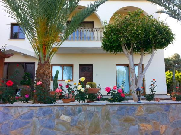 Hotel Pictures: Georgias Apartments, Ayia Marina