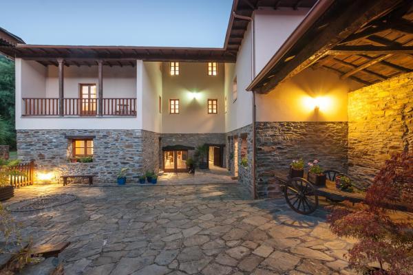 Hotel Pictures: , Palacio de Naviego