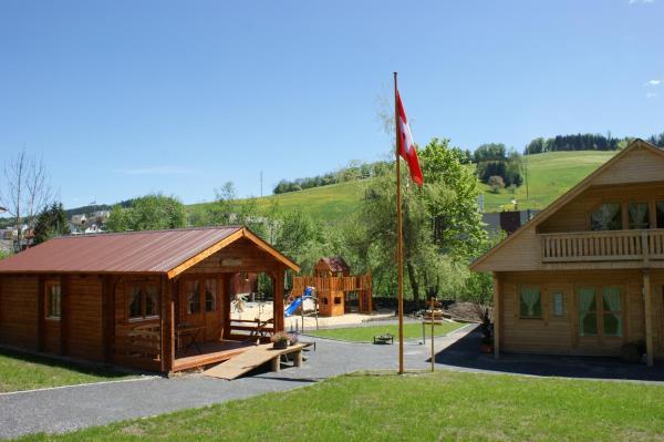 Hotel Pictures: Villa Donkey Chalet, Degersheim