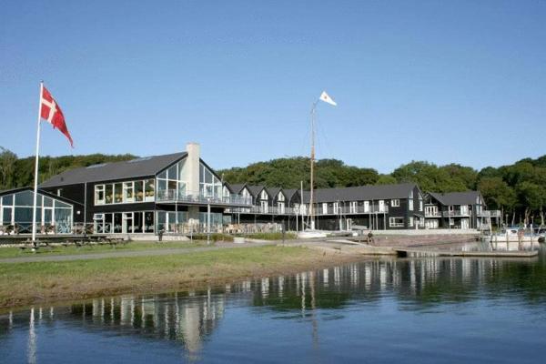 Hotel Pictures: Hotel Strandtangen, Skive