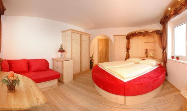 Zdjęcia hotelu: Bed & Breakfast Landhaus Strasser, Söll