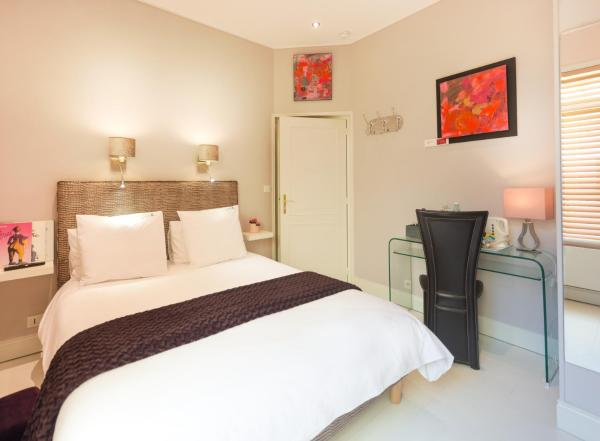 Le Bonheur Double Room with Courtyard View