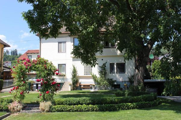 Hotellikuvia: Ferienwohnung und Gästezimmer Korb, Krumpendorf am Wörthersee