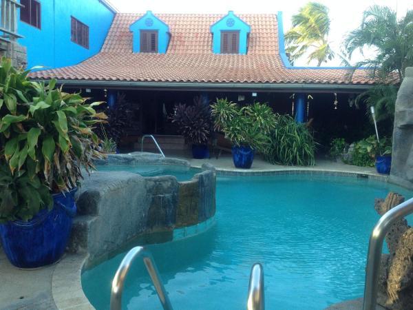 Hotel Pictures: De Cuba Bed & Breakfast, Noord