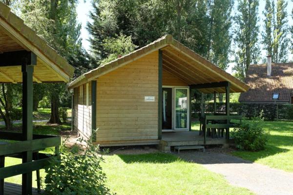Hotel Pictures: Camping Du Port De Plaisance, Péronne