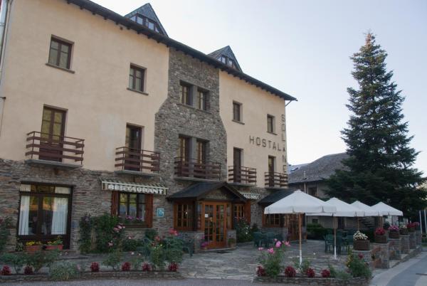 Hotel Pictures: Sol i Neu, Ribera de Cardós
