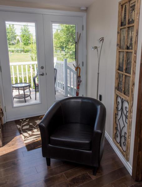 Hotel Pictures: Appartement aux 4 Roues, Saguenay